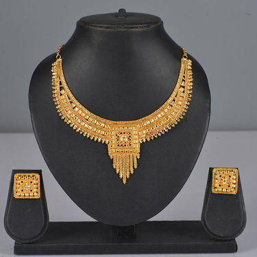2 Gold Jewellery Sets + 4 Free Bangles